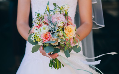 Re-Blog: Wedding Tips for Spring Brides