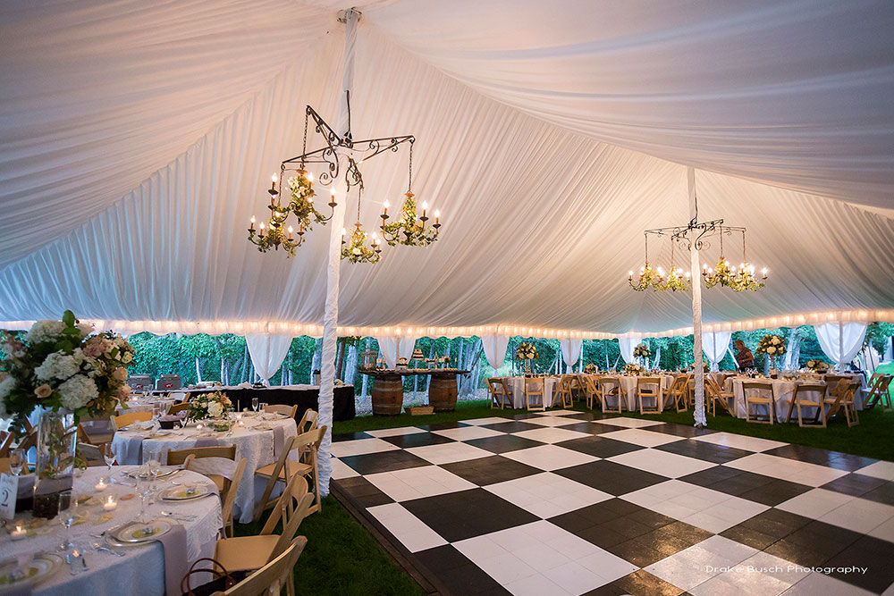 Outdoor Wedding Trends: Back to Black